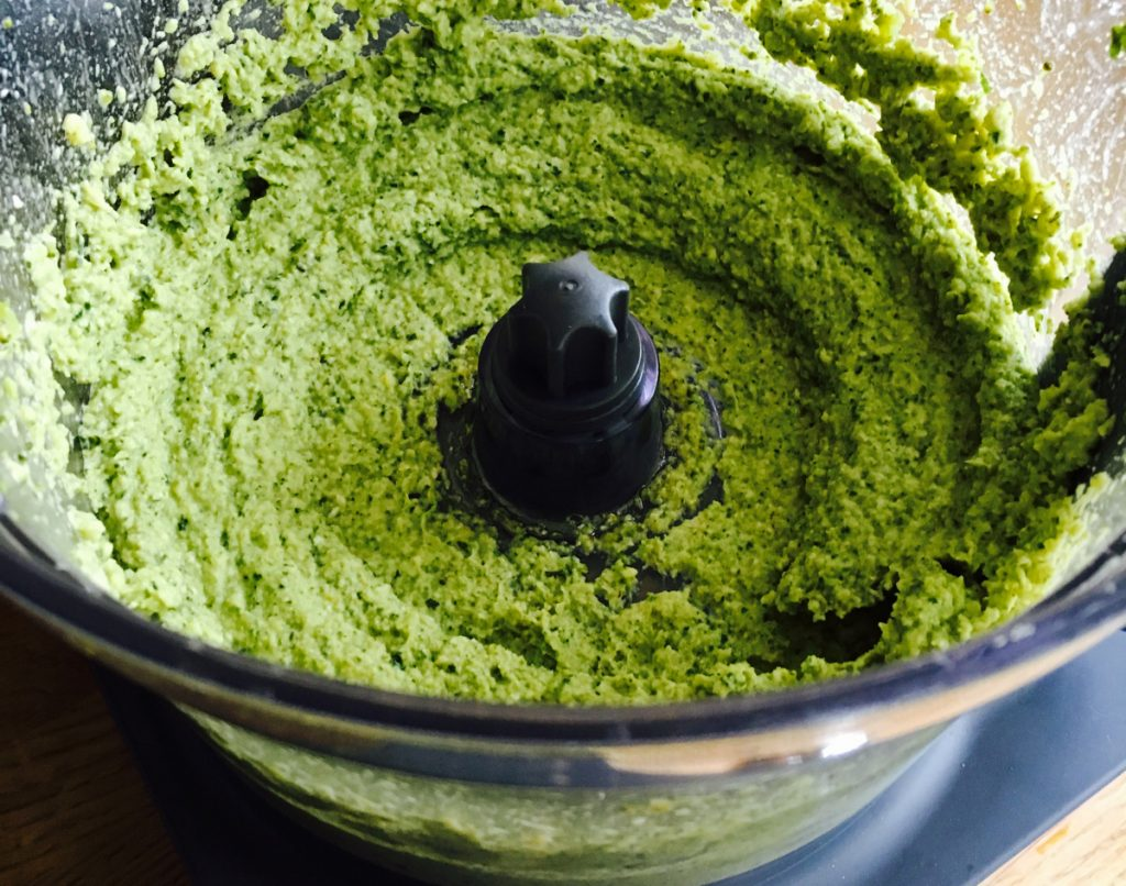 Vegan broccoli pesto in the blender